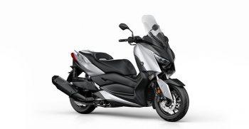 2018-Yamaha-X-MAX-400-EU-Blazing-Grey-Studio-001