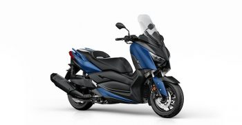 2018-Yamaha-X-MAX-400-EU-Phantom-Blue-Studio-001