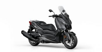 2018-Yamaha-X-MAX-400-EU-Sonic-Grey-Studio-001